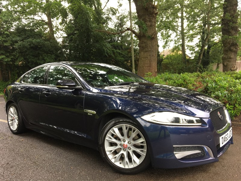 used Jaguar XF D R-SPORT 200 BHP+REVERSING CAMERA AND FOLDING REAR SEATS in farnborough-hampshire