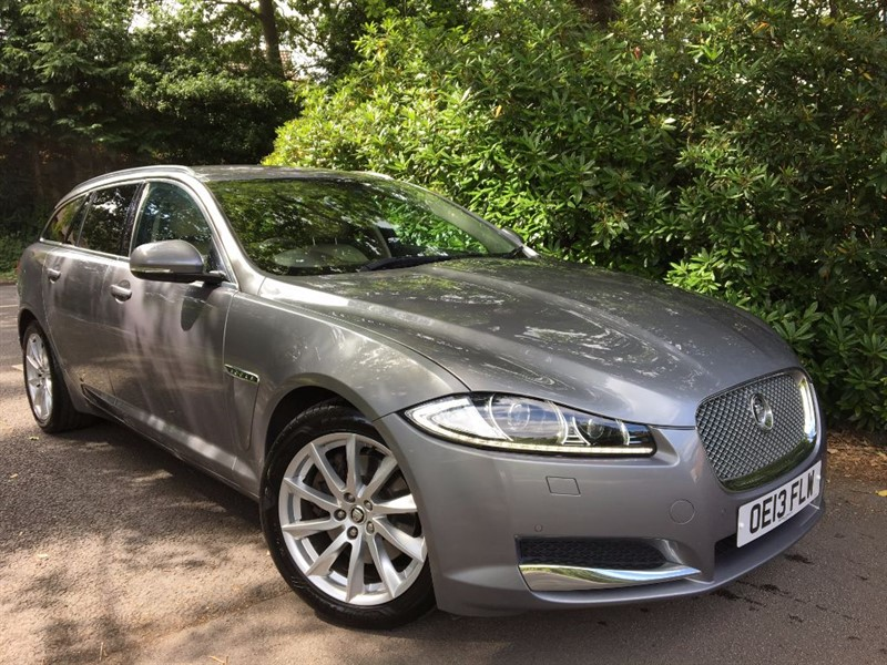 used Jaguar XF D PREMIUM LUXURY SPORTBRAKE / GREAT VALUE FOR MONEY in farnborough-hampshire