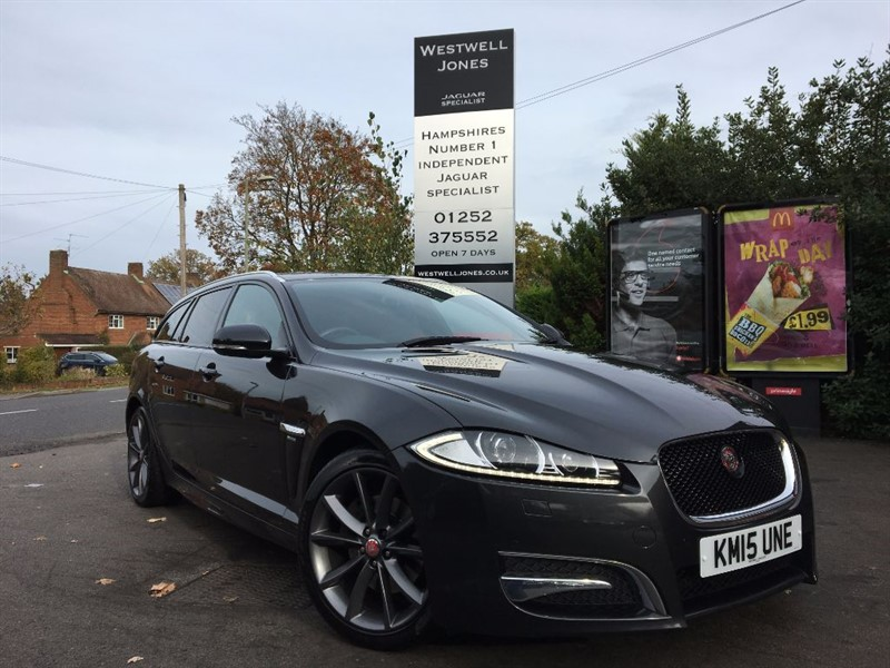 "used Jaguar XF D R-SPORT SPORTBRAKE / BLACK PACK AND 19"" ALLOYS in farnborough-hampshire"