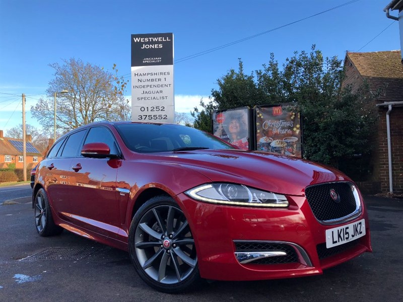 used Jaguar XF D V6 R-SPORT SPORTBRAKE / LOW MILES AND REVERSING CAMERA in farnborough-hampshire