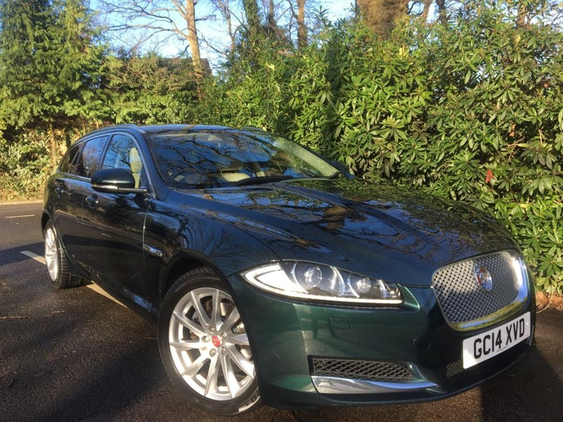 used Jaguar XF D V6 PREMIUM LUXURY SPORTBRAKE /STUNNING COLOUR COMBINATION in farnborough-hampshire