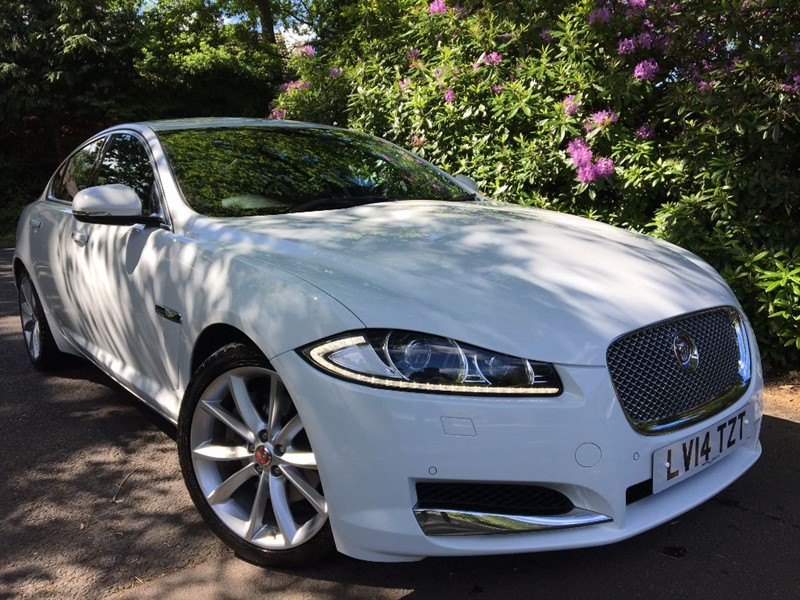 used Jaguar XF D V6 PREMIUM LUXURY / REVERSING CAMERA in farnborough-hampshire