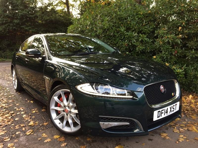used Jaguar XF D V6 S PREMIUM LUXURY 275 BHP / SUNSHINE ROOF / CARBON FIBRE INLAYS in farnborough-hampshire
