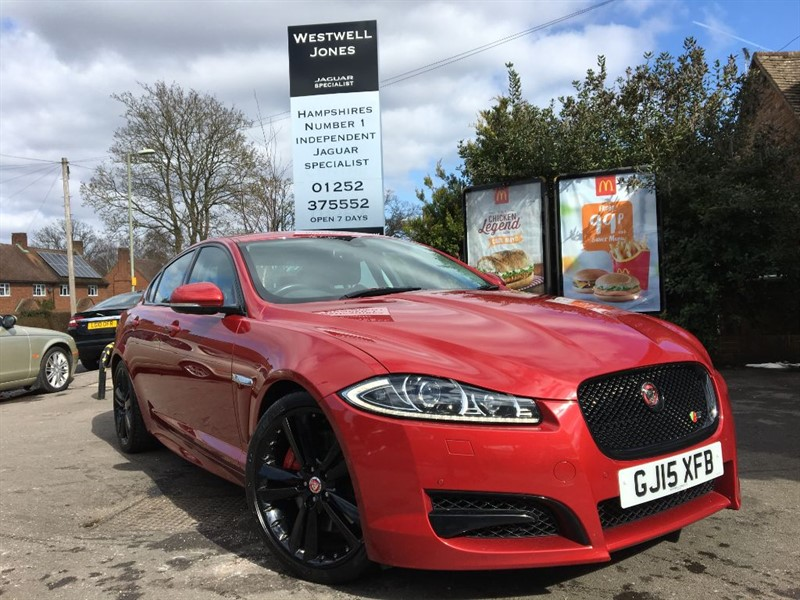 used Jaguar XF D V6 S PORTFOLIO 275 BHP WITH BLACK PACK AND BLIND SPOT MONITOR in farnborough-hampshire