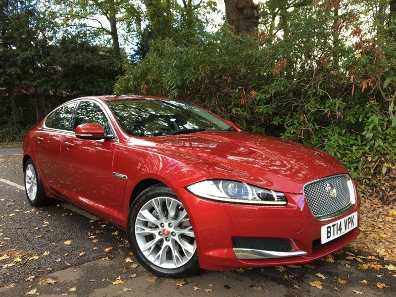 used Jaguar XF D LUXURY / SUNROOF / REAR CAMERA / MERIDIAN HI FI in farnborough-hampshire