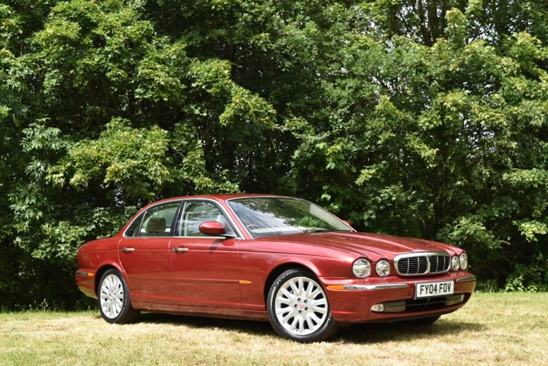 used Jaguar XJ 3.0 V6 PETROL SE+THE BEST COLOUR COMBINATION in farnborough-hampshire