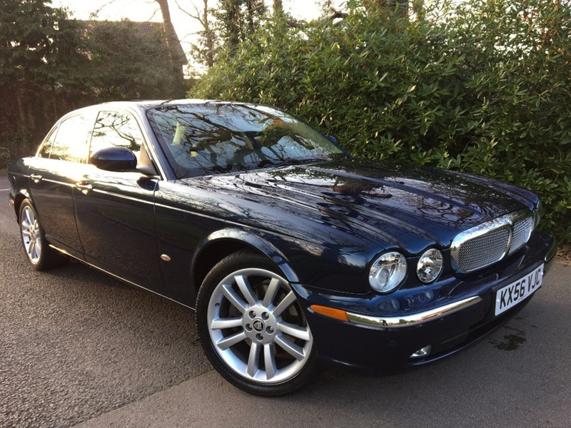 used Jaguar XJ TDVI SOVEREIGN / TILT AND SLIDE GLASS SUNSHINE ROOF in farnborough-hampshire