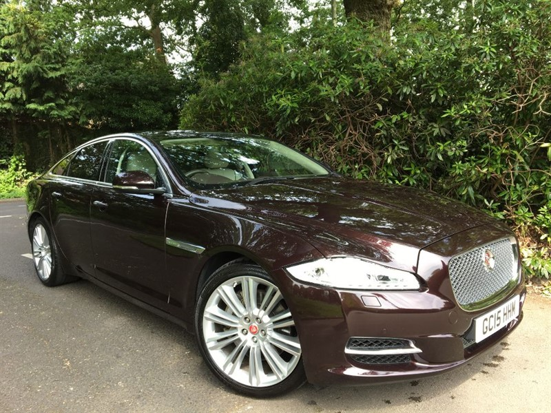 used Jaguar XJ D V6 PORTFOLIO / BEAUTIFUL COLOUR COMBINATION AND HUGE SPECIFICATION in farnborough-hampshire