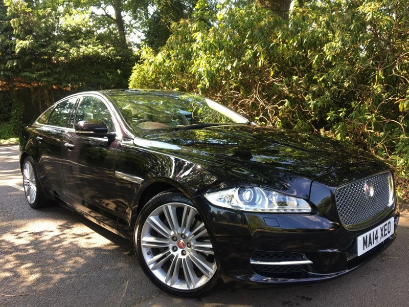 used Jaguar XJ D V6 PORTFOLIO / BEAUTIFUL COLOUR COMBINATION in farnborough-hampshire