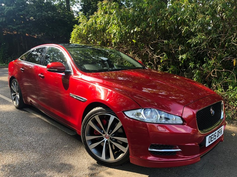 used Jaguar XJ D V6 PORTFOLIO / STUNNING COLOUR COMBINATION AND HUGE SPECIFICATION in farnborough-hampshire