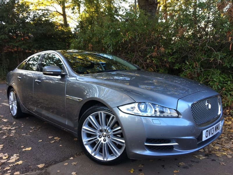used Jaguar XJ D V6 PORTFOLIO+BLIND SPOT MONITOR AND PANORAMIC SUNROOF in farnborough-hampshire