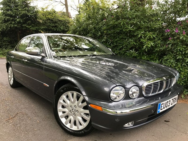 used Jaguar XJR VERY RARE 4.2 V8 PETROL / SUNSHINE ROOF / PRIVACY BLINDS in farnborough-hampshire