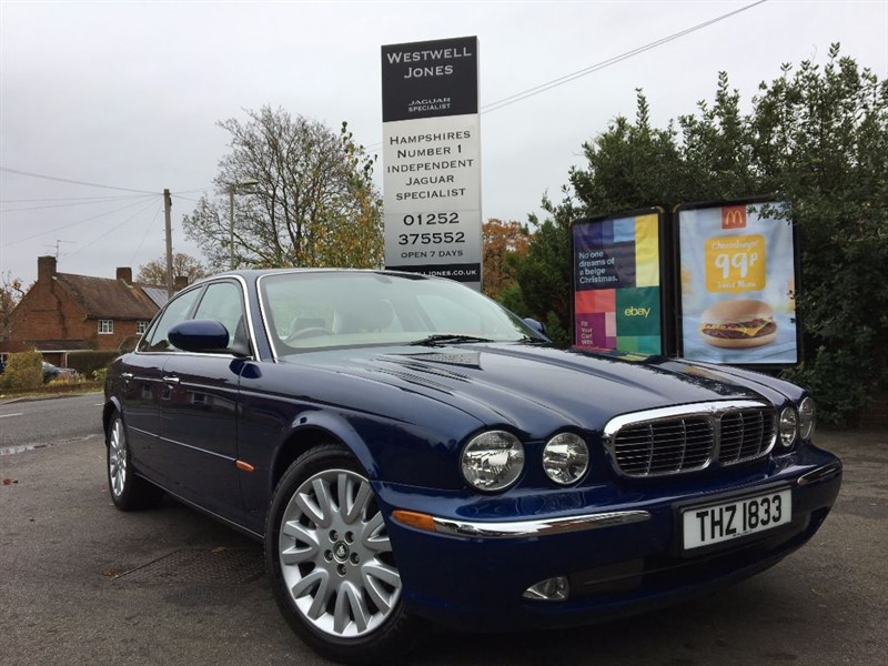 used Jaguar XJ V8 SE / VERY DESIRABLE AND TIMELESS in farnborough-hampshire