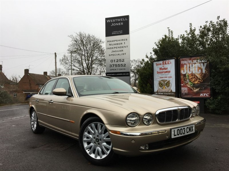 used Jaguar XJ 4.2 SE V8 / VERY LOW MILEAGE in farnborough-hampshire