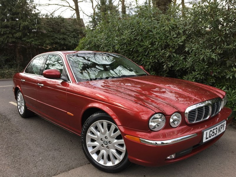 used Jaguar XJ V6 SE / LOW MILES WITH SUNROOF in farnborough-hampshire