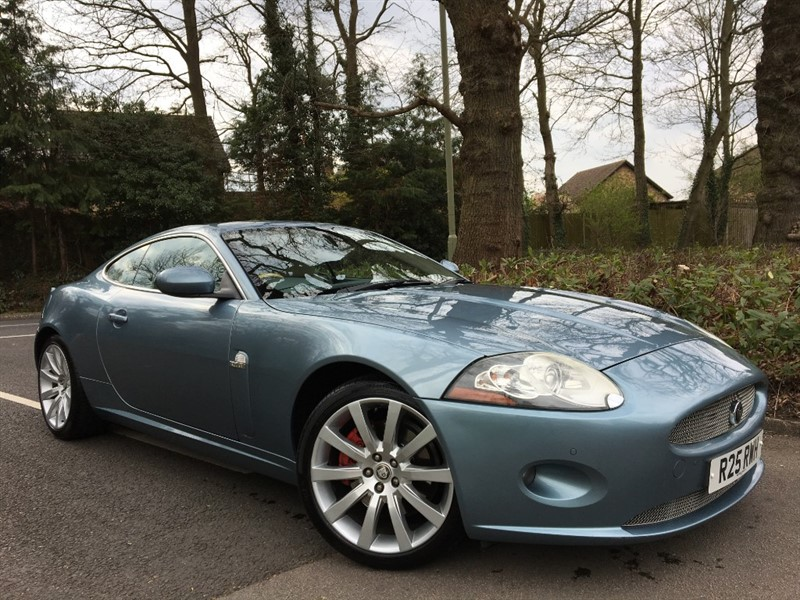 used Jaguar XK 4.2 COUPE+PRIVATE REG NUMBER INCLUDED+STUNNING COLOUR COMBINATION in farnborough-hampshire