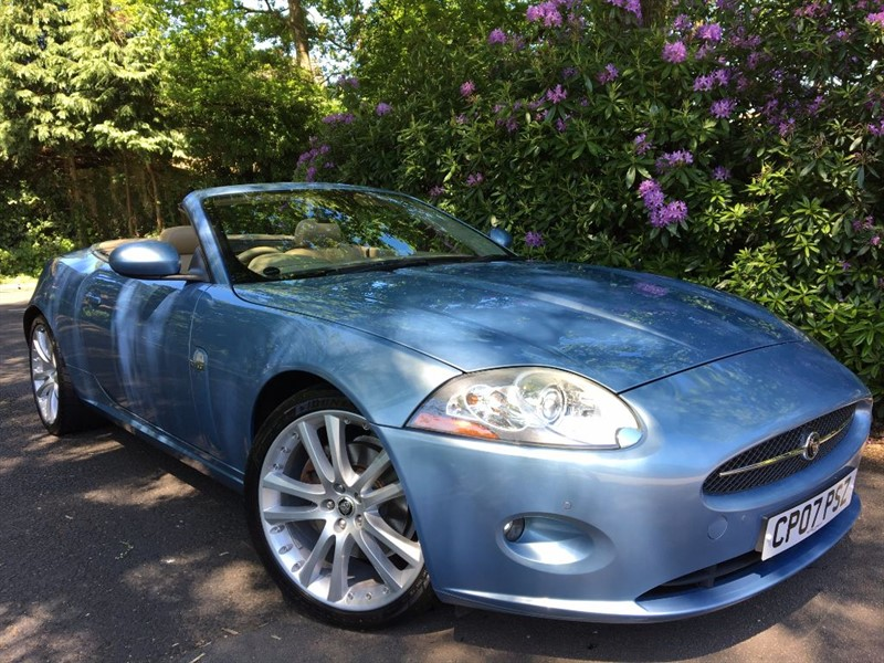 used Jaguar XK CONVERTIBLE / LOW MILES AND BLUE ROOF in farnborough-hampshire