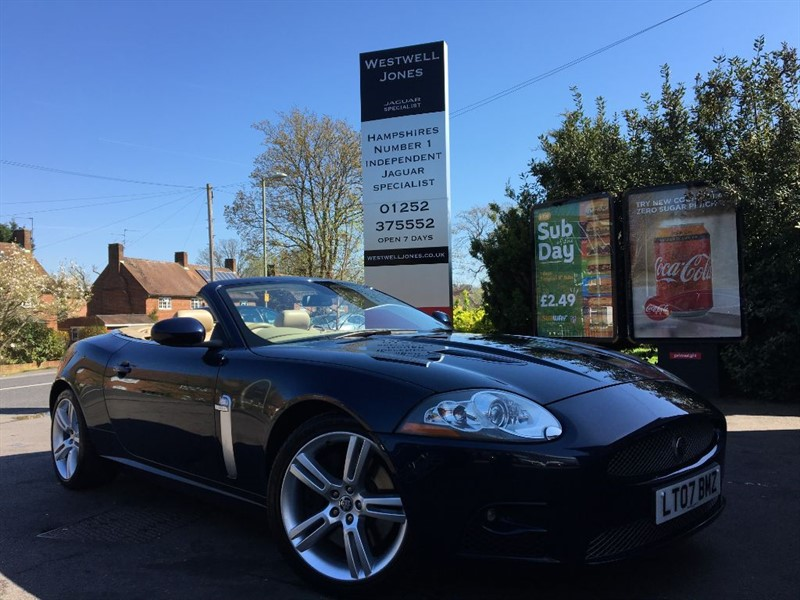 used Jaguar XKR XKR SUPERCHARGED / LOW MILES in farnborough-hampshire