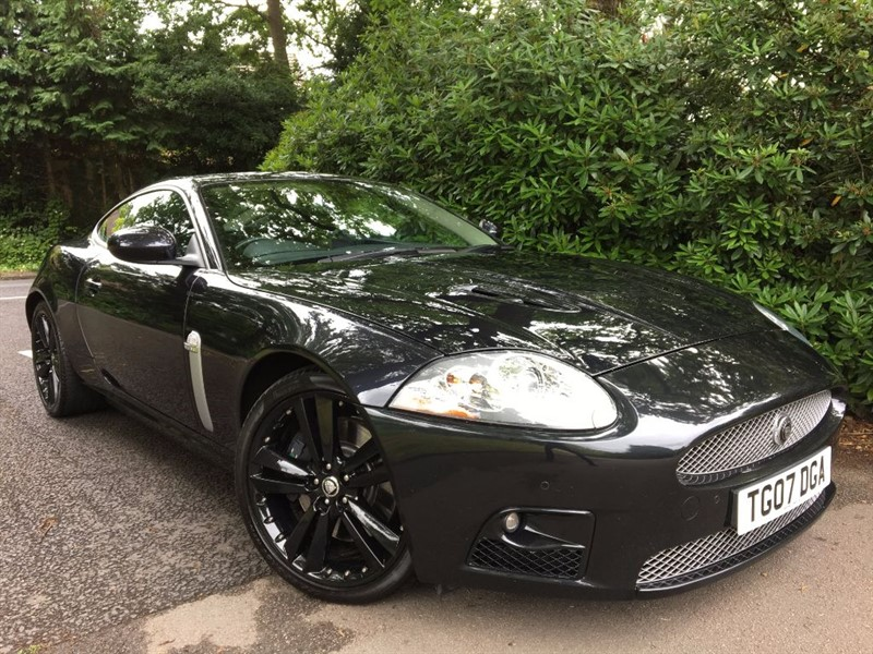 used Jaguar XKR XKR / STUNNING IN BLACK in farnborough-hampshire