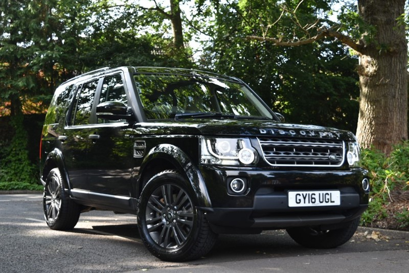 used Land Rover Discovery SDV6+NAV+PANO ROOF+REVERSE CAM+NO ULEZ CHARGE in farnborough-hampshire