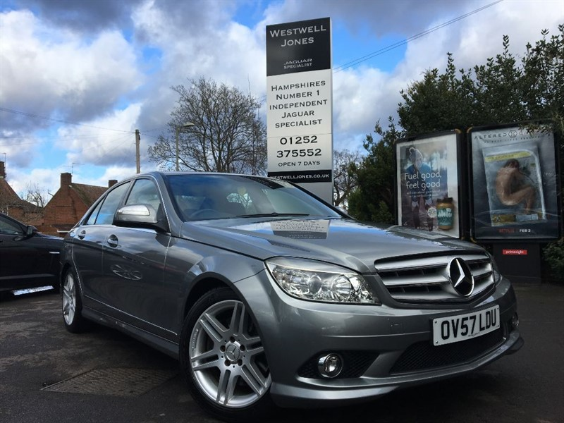 used Mercedes C280 SPORT / SAT NAV AND HEATED ELECTRIC MEMORY SEATS in farnborough-hampshire