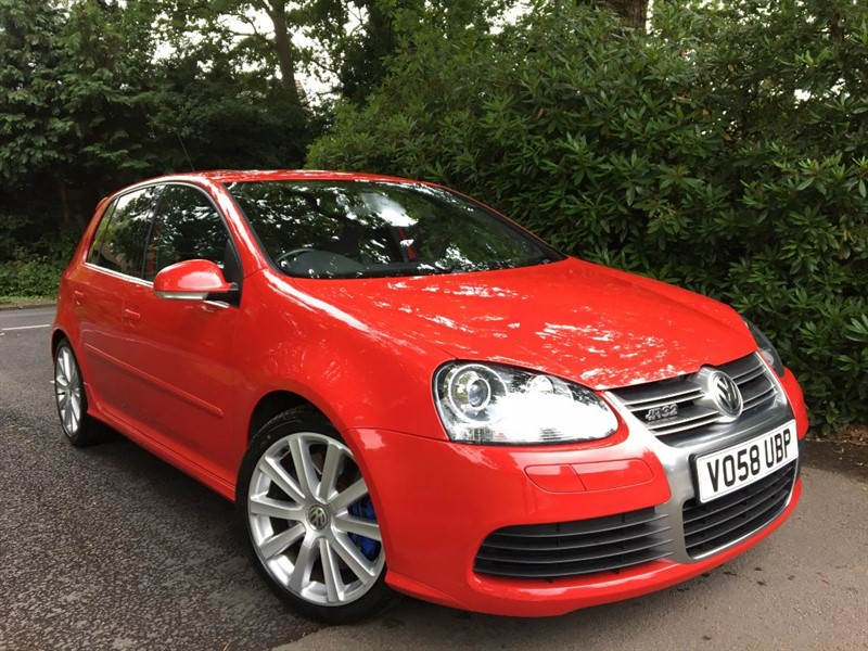 used VW Golf R32 / SUNROOF AND FULL LEATHER in farnborough-hampshire