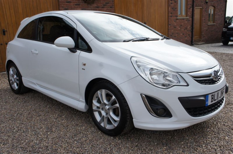used Vauxhall Corsa SXI AC in in-west-yorkshire