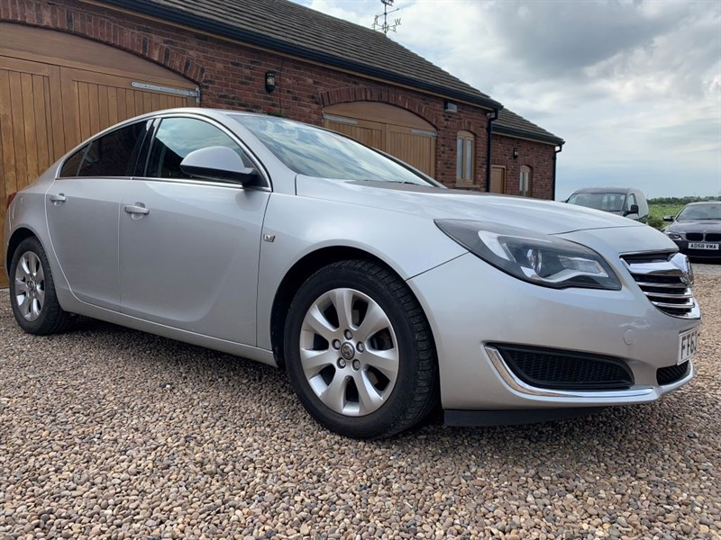 used Vauxhall Insignia TECH LINE CDTI ECOFLEX S/S in in-west-yorkshire