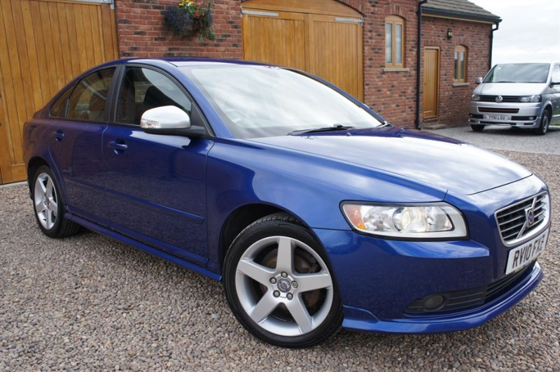 used Volvo S40 D DRIVE R-DESIGN in in-west-yorkshire