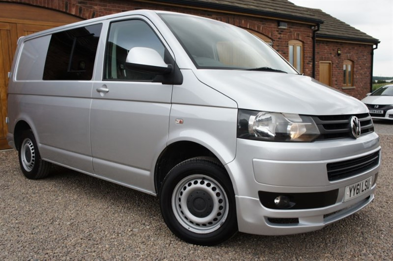 used VW Transporter T30 TDI 20 140bhp SWB COMBI 6 SEATER in in-west-yorkshire