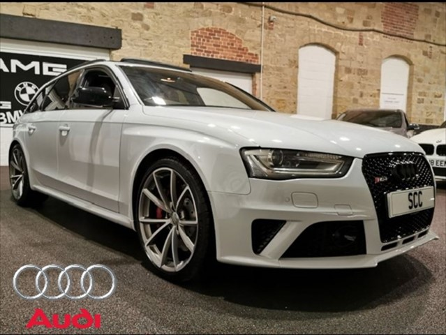 used Audi RS4 Avant RS4 AVANT FSI QUATTRO in yeadon-leeds-for-sale