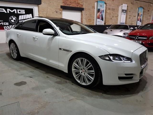 used Jaguar XJ D V6 PREMIUM LUXURY in yeadon-leeds-for-sale