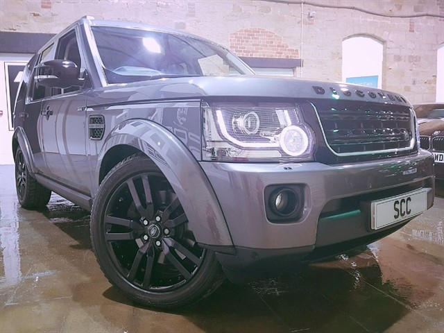 used Land Rover Discovery SDV6 SE TECH in yeadon-leeds-for-sale