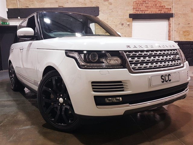 used Land Rover Range Rover SDV8 VOGUE SE in yeadon-leeds-for-sale