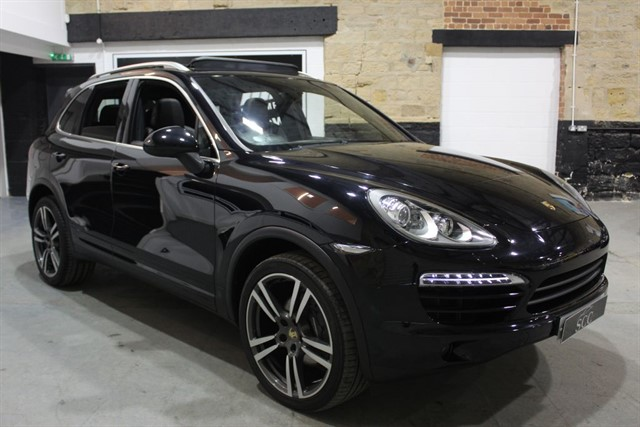 used Porsche Cayenne D V6 TIPTRONIC+PANROOF in yeadon-leeds-for-sale