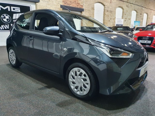 used Toyota Aygo VVT-I X-PLAY in yeadon-leeds-for-sale