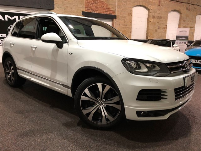 used VW Touareg V6 R-LINE TDI BLUEMOTION TECHNOLOGY in yeadon-leeds-for-sale