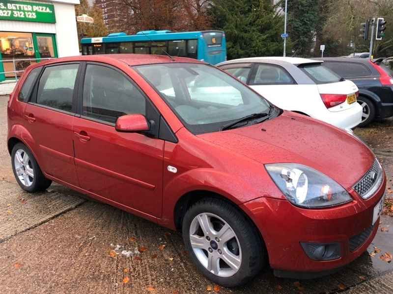 used Ford Fiesta Zetec Climate Hatchback 5dr Manual (142 g/km, 74 bhp) in tamworth-staffordshire