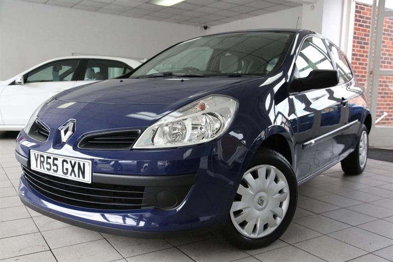 used Renault Clio VVT Expression 3dr in tamworth-staffordshire