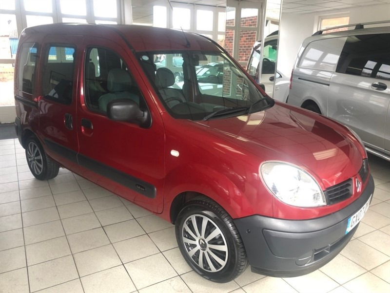 used Renault Kangoo 16v 75 Authentique 5dr in tamworth-staffordshire