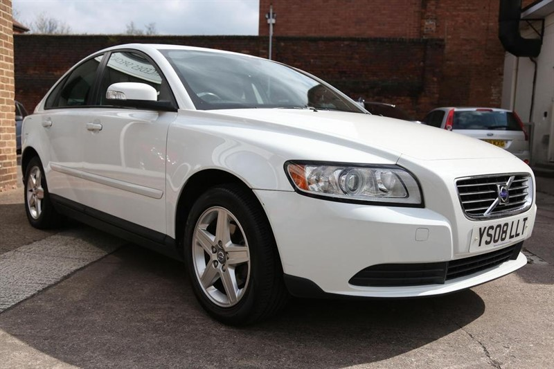 used Volvo S40 S 4dr in tamworth-staffordshire