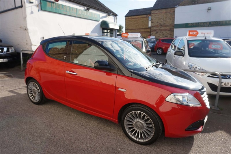 used Chrysler Ypsilon TwinAir Black&Red 5dr in chelmsford-essex