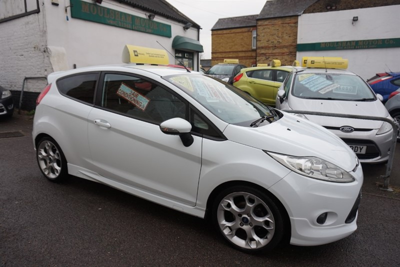 used Ford Fiesta ZETEC S in chelmsford-essex
