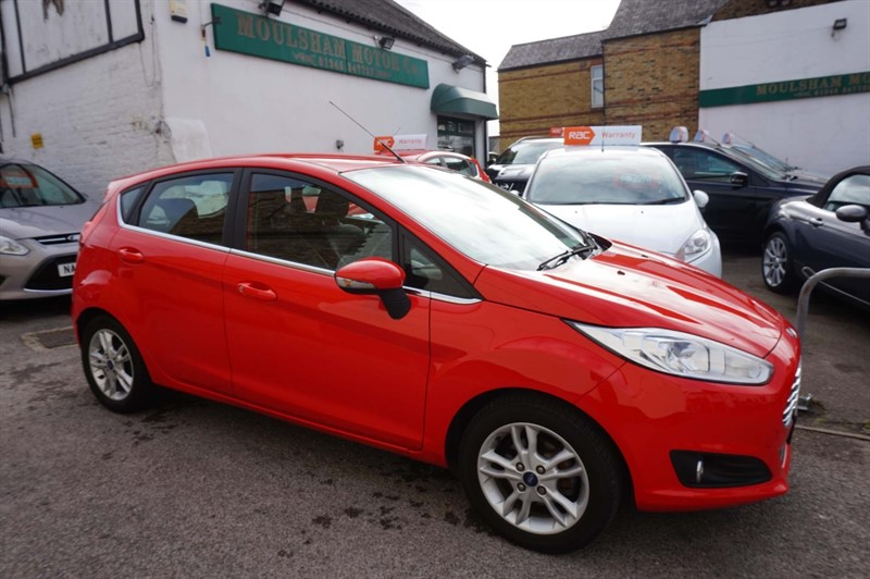 used Ford Fiesta EcoBoost Zetec (s/s) 5dr (EU6) in chelmsford-essex