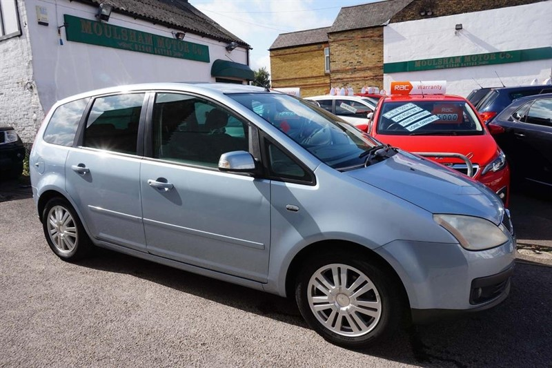 used Ford Focus C-Max 16v Ghia 5dr in chelmsford-essex