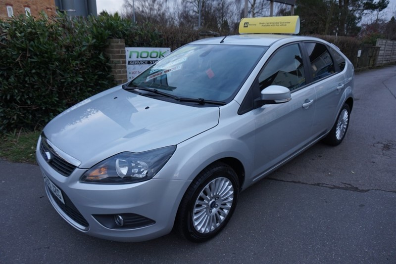 used Ford Focus TITANIUM in chelmsford-essex