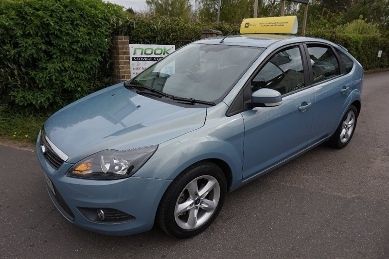 used Ford Focus Zetec 5dr in chelmsford essex