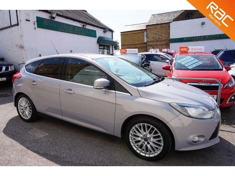 used Ford Focus Ti-VCT Zetec 5dr in chelmsford-essex