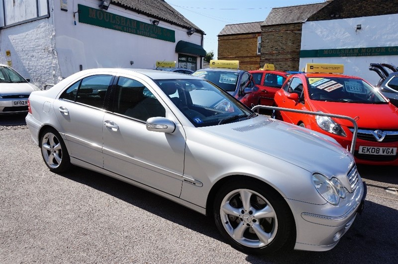 used Mercedes C180 KOMPRESSOR ELEGANCE SE in chelmsford essex