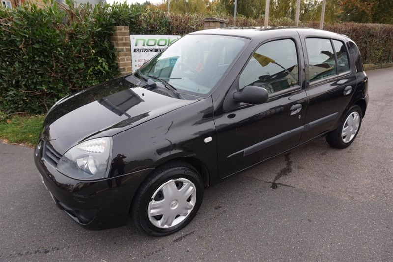 used Renault Clio CAMPUS 8V in chelmsford essex